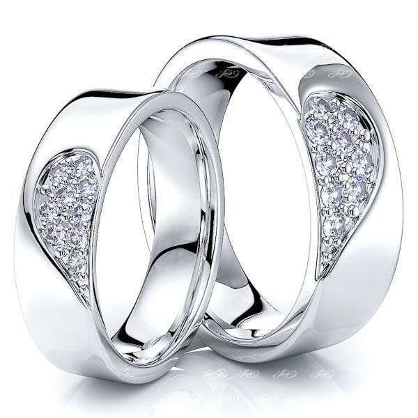 0.27 Carat 6mm Matching Heart His and Hers Diamond Wedding Ring Set