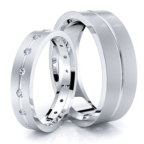 0.24 Carat Fashionable 6mm His and 4mm Hers Diamond Wedding Band Set